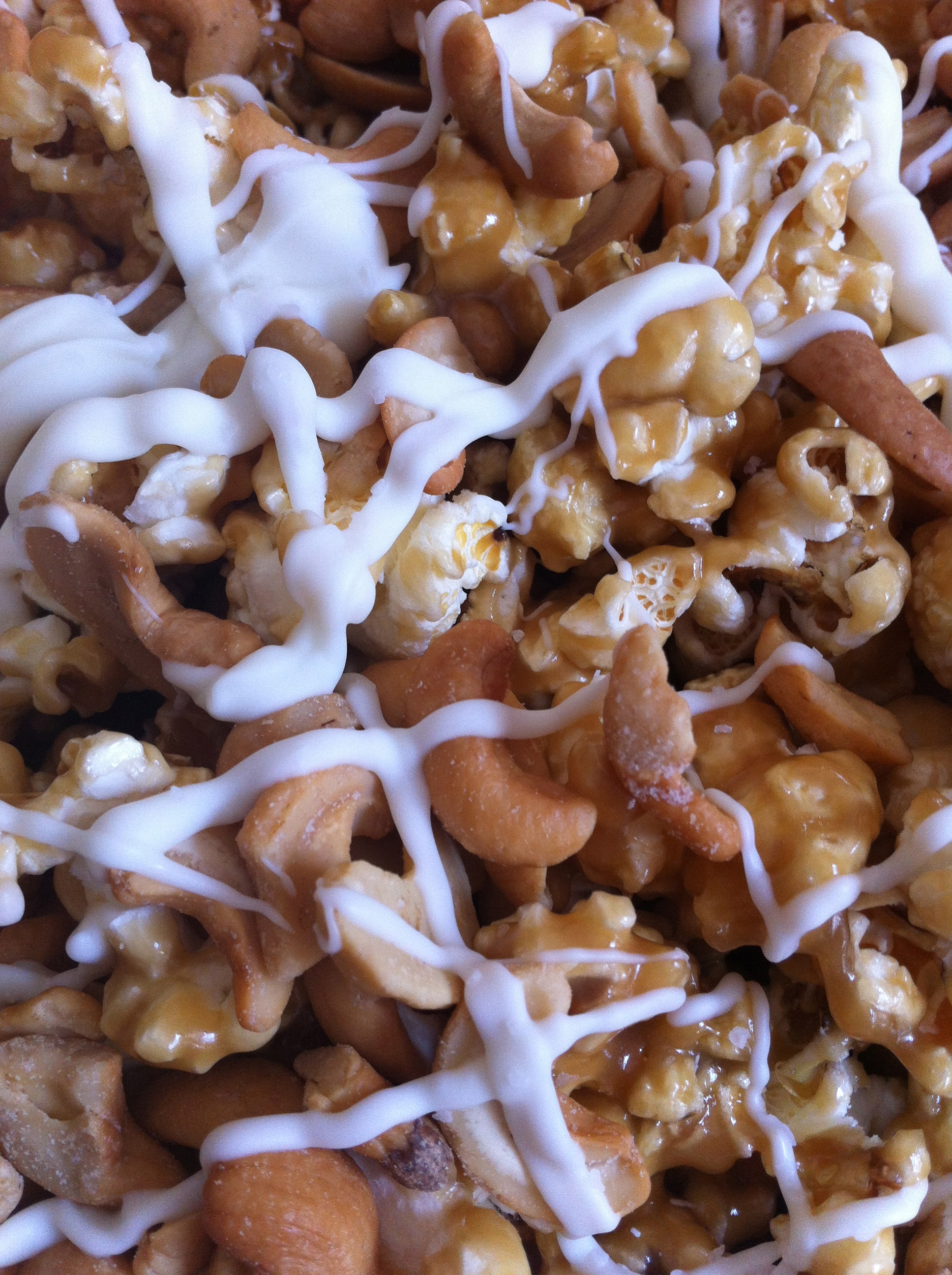 White Chocolate Cashew Caramel Popcorn