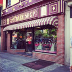 Carlo's Bakery- another check off my bucket list!